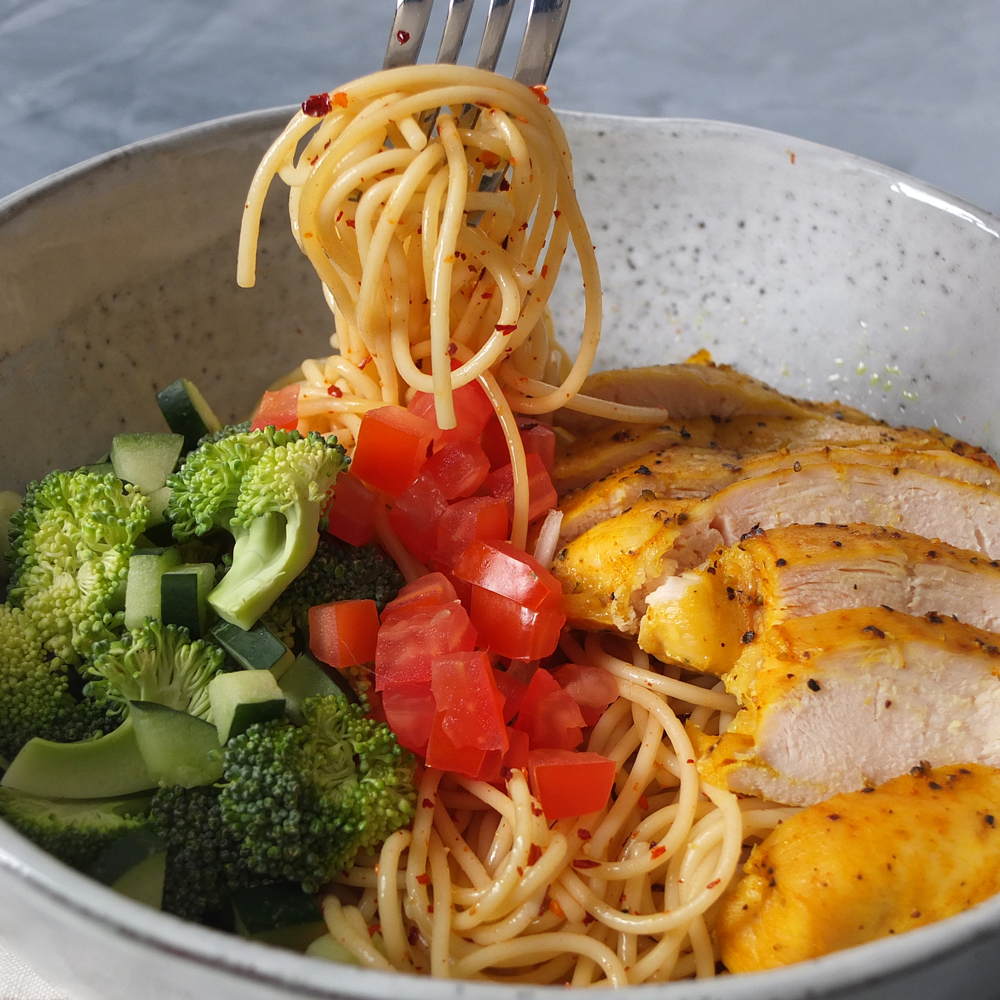Turmeric Chicken Noodles_image_2
