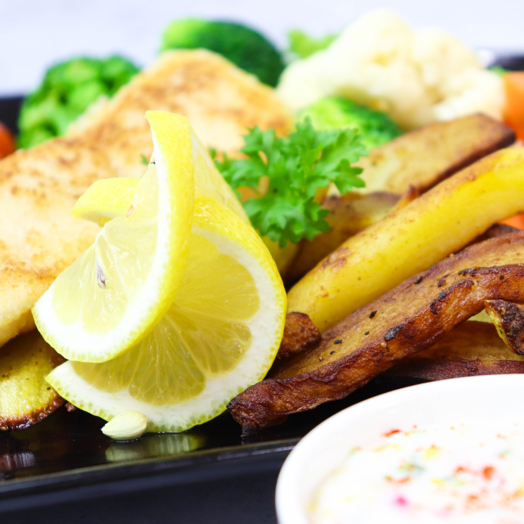 Baked Crunchy Fish & Chip With Buttered Season Vege_image_3