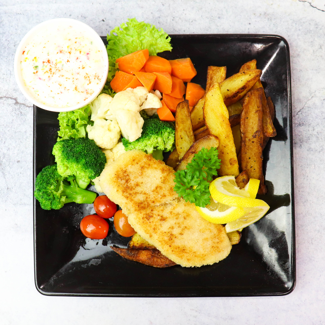 Baked Crunchy Fish & Chip With Buttered Season Vege_image_0